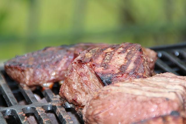 お肉をしっかりと食べるべき